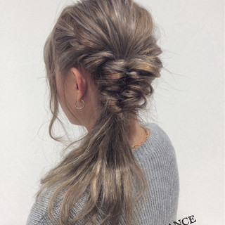 ハイライト イルミナカラー アッシュ 簡単ヘアアレンジ ヘアスタイルや髪型の写真・画像