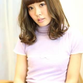 コンサバ 卵型 ミディアム モテ髪 ヘアスタイルや髪型の写真・画像