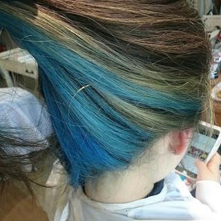 ダブルカラー ガーリー ブルー ブリーチ ヘアスタイルや髪型の写真・画像