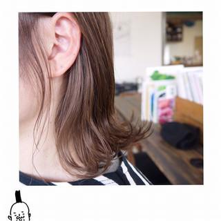 ベージュ ダブルカラー ナチュラル ミディアム ヘアスタイルや髪型の写真・画像 ヘアスタイルや髪型の写真・画像