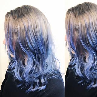 ミディアム バレイヤージュ インナーカラー ユニコーンカラー ヘアスタイルや髪型の写真・画像