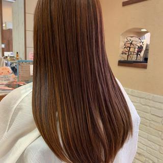 ロング ピンクブラウン フェミニン ピンク ヘアスタイルや髪型の写真・画像