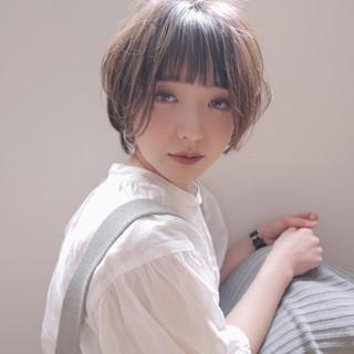 外国人風フェミニン ナチュラル ラベンダーグレージュ ラベンダーアッシュ ヘアスタイルや髪型の写真・画像