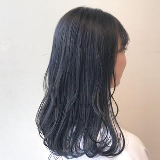 ブルーブラック 透明感カラー ブルージュ ナチュラル ヘアスタイルや髪型の写真・画像