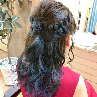 インナーカラー ブルー 結婚式 セミロング ヘアスタイルや髪型の写真・画像 ヘアスタイルや髪型の写真・画像