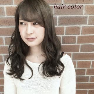 暗髪 ロング 外国人風 くせ毛風 ヘアスタイルや髪型の写真・画像
