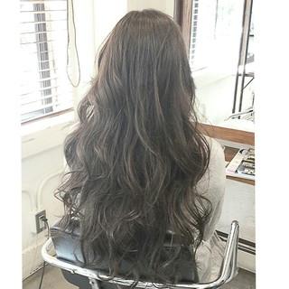 ロング グラデーションカラー ゆるふわ 渋谷系 ヘアスタイルや髪型の写真・画像