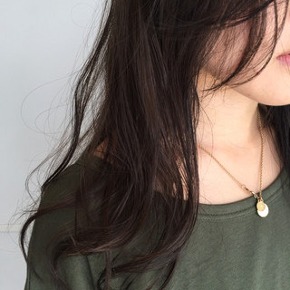 暗髪 くせ毛風 セミロング 黒髪 ヘアスタイルや髪型の写真・画像