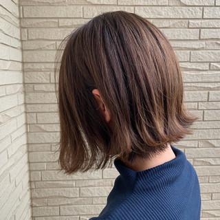 ボブ 艶髪 エアリー アッシュベージュ ヘアスタイルや髪型の写真・画像