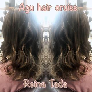 アッシュ ハイライト くすみカラー ミディアム ヘアスタイルや髪型の写真・画像