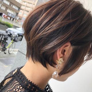 ショートボブ ショートヘア ナチュラル インナーカラー ヘアスタイルや髪型の写真・画像
