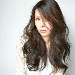 前髪あり ゆるふわ 外国人風 ストリート ヘアスタイルや髪型の写真・画像