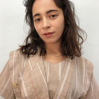 ベージュ ハイライト ショートボブ ミディアム ヘアスタイルや髪型の写真・画像