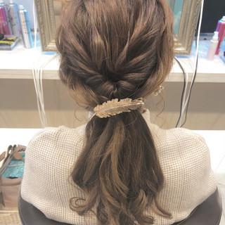 ナチュラル ローポニーテール アンニュイほつれヘア ヘアアレンジ ヘアスタイルや髪型の写真・画像