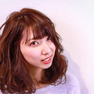 ミディアム 秋 冬 ニット ヘアスタイルや髪型の写真・画像