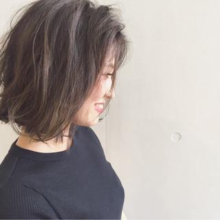 外国人風 大人かわいい ハイライト くせ毛風 ヘアスタイルや髪型の写真・画像 ヘアスタイルや髪型の写真・画像