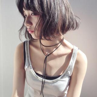 前髪あり ナチュラル くせ毛風 ハイライト ヘアスタイルや髪型の写真・画像