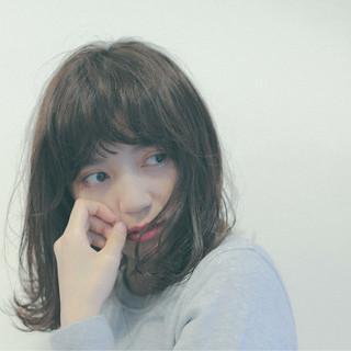 ミルクティー ロブ 前髪あり パーマ ヘアスタイルや髪型の写真・画像