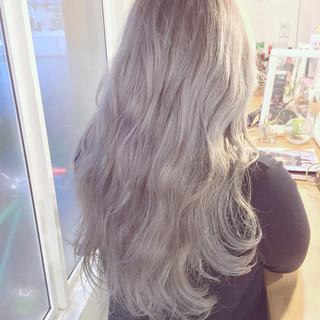 外国人風 ストリート ホワイトアッシュ ダブルカラー ヘアスタイルや髪型の写真・画像