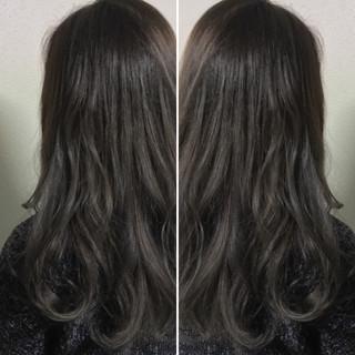 ナチュラル 透明感 ロング ラベンダーアッシュ ヘアスタイルや髪型の写真・画像