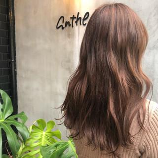 ダブルカラー 透明感 ナチュラル ピンクブラウン ヘアスタイルや髪型の写真・画像