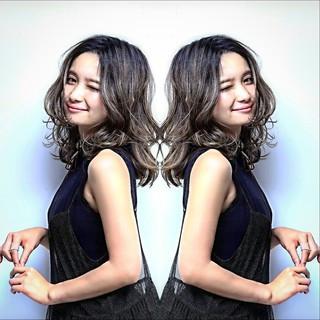 外国人風 ミディアム ストリート グラデーションカラー ヘアスタイルや髪型の写真・画像