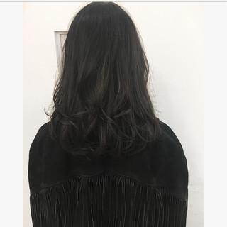 セミロング 外国人風 グレージュ パーマ ヘアスタイルや髪型の写真・画像