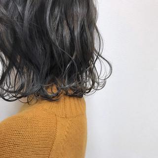 ハイライト アンニュイほつれヘア 透明感 アッシュグレージュ ヘアスタイルや髪型の写真・画像 ヘアスタイルや髪型の写真・画像