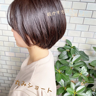 ショート ベリーショート ショートボブ オフィス ヘアスタイルや髪型の写真・画像