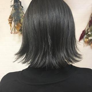 切りっぱなし グレージュ ハイライト ボブ ヘアスタイルや髪型の写真・画像