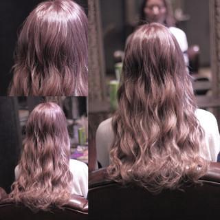 グラデーションカラー ハイライト ウェーブ ストリート ヘアスタイルや髪型の写真・画像