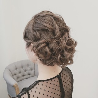 ウェーブ フェミニン ゆるふわ 結婚式 ヘアスタイルや髪型の写真・画像