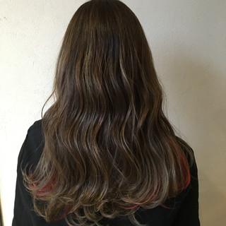 セミロング モード インナーカラー レッド ヘアスタイルや髪型の写真・画像 ヘアスタイルや髪型の写真・画像