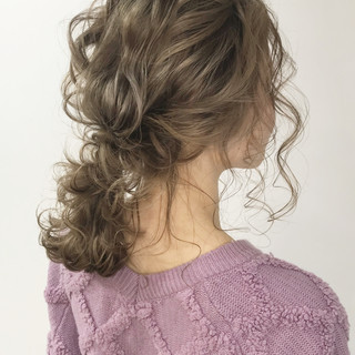 簡単ヘアアレンジ フェミニン 外国人風カラー セミロング ヘアスタイルや髪型の写真・画像
