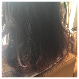 グラデーションカラー ハイライト レッド ミディアム ヘアスタイルや髪型の写真・画像