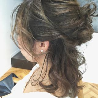簡単ヘアアレンジ ヘアアレンジ ハーフアップ グラデーションカラー ヘアスタイルや髪型の写真・画像 ヘアスタイルや髪型の写真・画像
