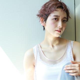 ベージュ モード ベリーショート ピンク ヘアスタイルや髪型の写真・画像
