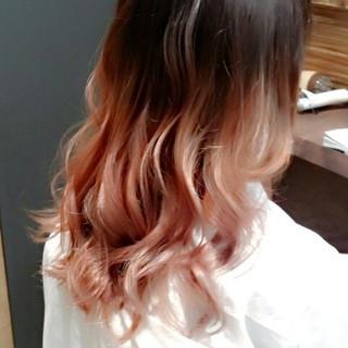 レッド ガーリー グラデーションカラー ピンク ヘアスタイルや髪型の写真・画像