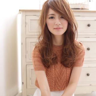 ゆるふわ 前髪あり ブラウン セミロング ヘアスタイルや髪型の写真・画像