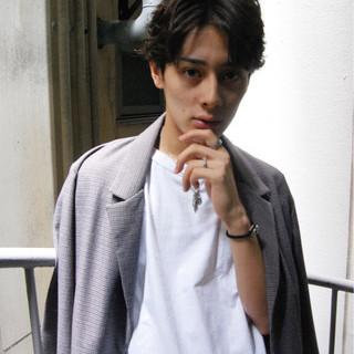 モード 黒髪 パーマ メンズ ヘアスタイルや髪型の写真・画像