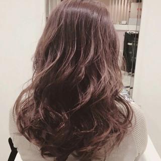 女子会 リラックス デート ピンク ヘアスタイルや髪型の写真・画像