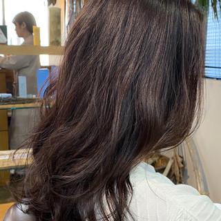 ブリーチ無し レッドカラー フェミニン レッド ヘアスタイルや髪型の写真・画像