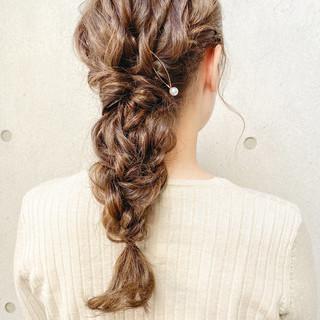 ガーリー ヘアアレンジ 編み込みヘア 編みおろしヘア ヘアスタイルや髪型の写真・画像