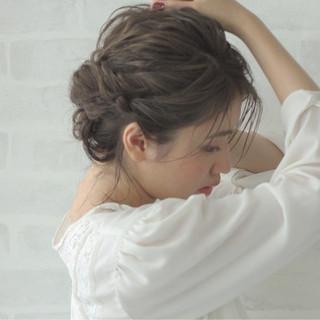 編み込み ゆるふわ ミディアム ヘアアレンジ ヘアスタイルや髪型の写真・画像