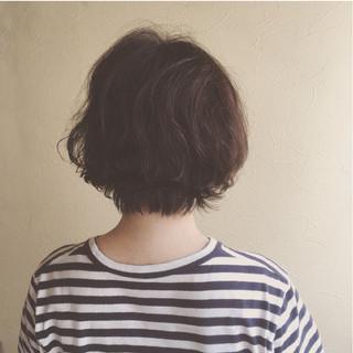 ナチュラル 大人かわいい ショートボブ パーマ ヘアスタイルや髪型の写真・画像