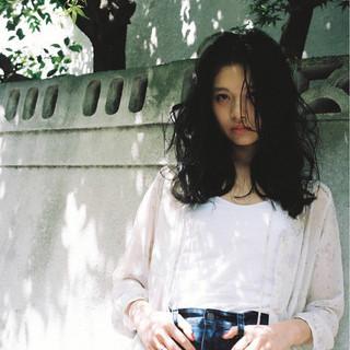 黒髪 ストリート ウェットヘア パーマ ヘアスタイルや髪型の写真・画像