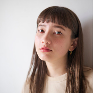 リラックス 外国人風カラー オン眉 セミロング ヘアスタイルや髪型の写真・画像