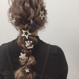 ナチュラル 編み込み ふわふわ 結婚式 ヘアスタイルや髪型の写真・画像