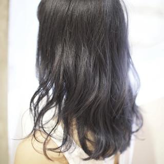 ゆるふわ 大人かわいい 暗髪 ミディアム ヘアスタイルや髪型の写真・画像