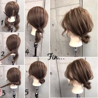 簡単 セミロング ナチュラル ヘアアレンジ ヘアスタイルや髪型の写真・画像